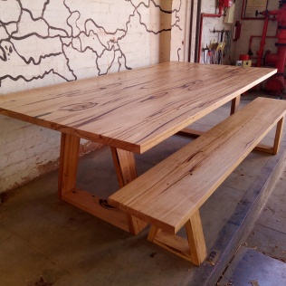 Recycled Stringybark table w/benchseat
